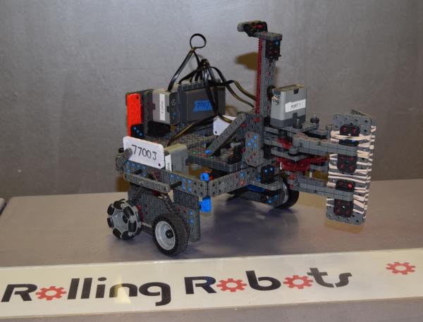 7700J VEX IQ robot